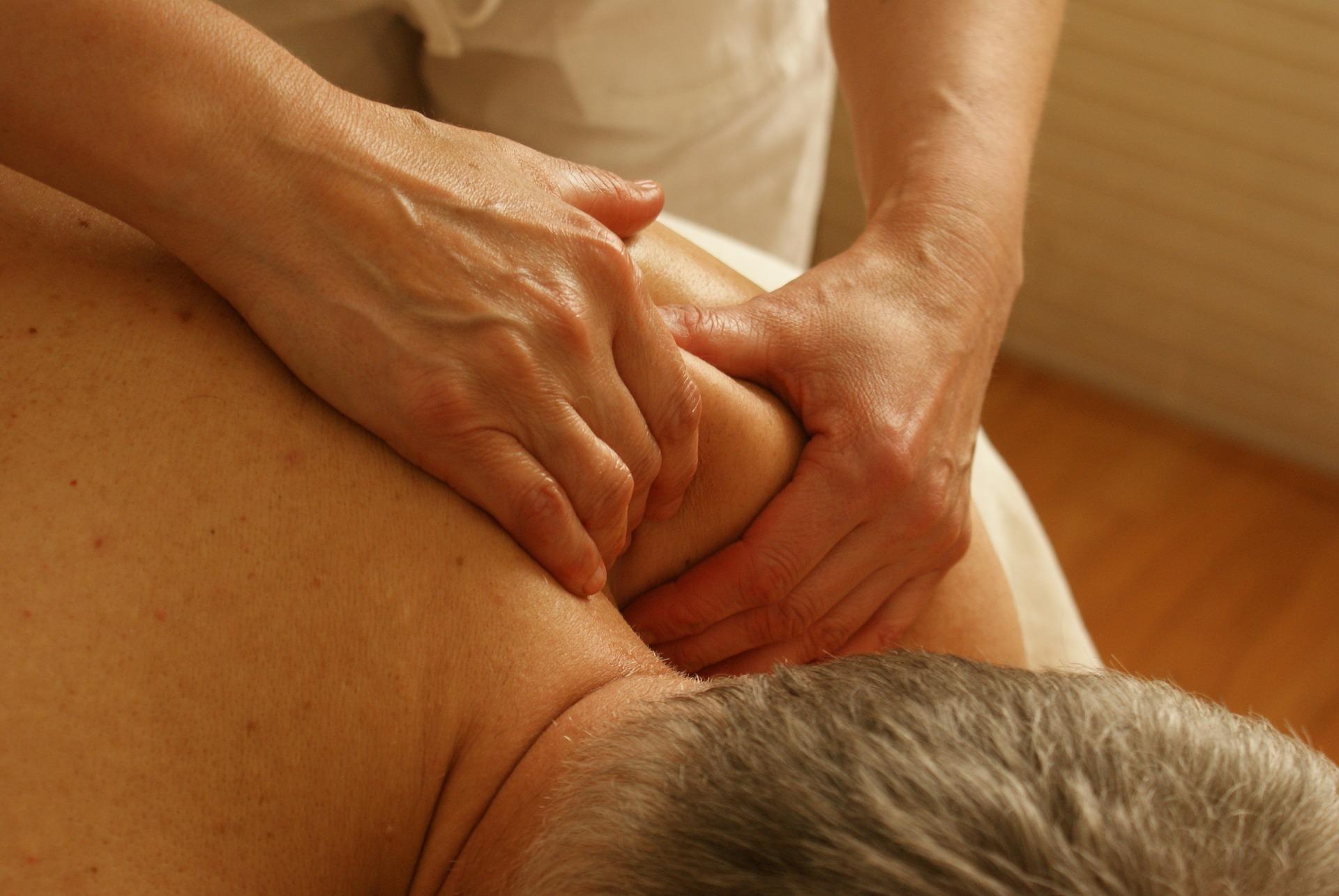 Nakke-, skulder- og rygmassage